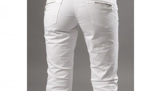 Pantacourt-blanc-avec-quelle-chaussure-.jpg