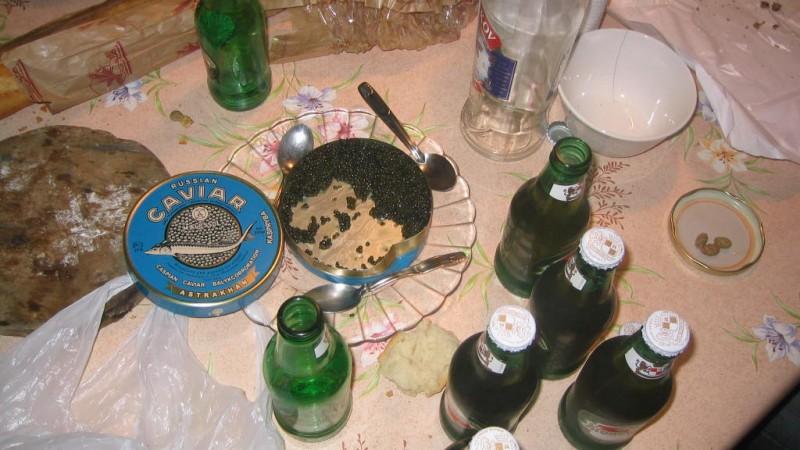 images2Comment-manger-le-caviar-1.jpg